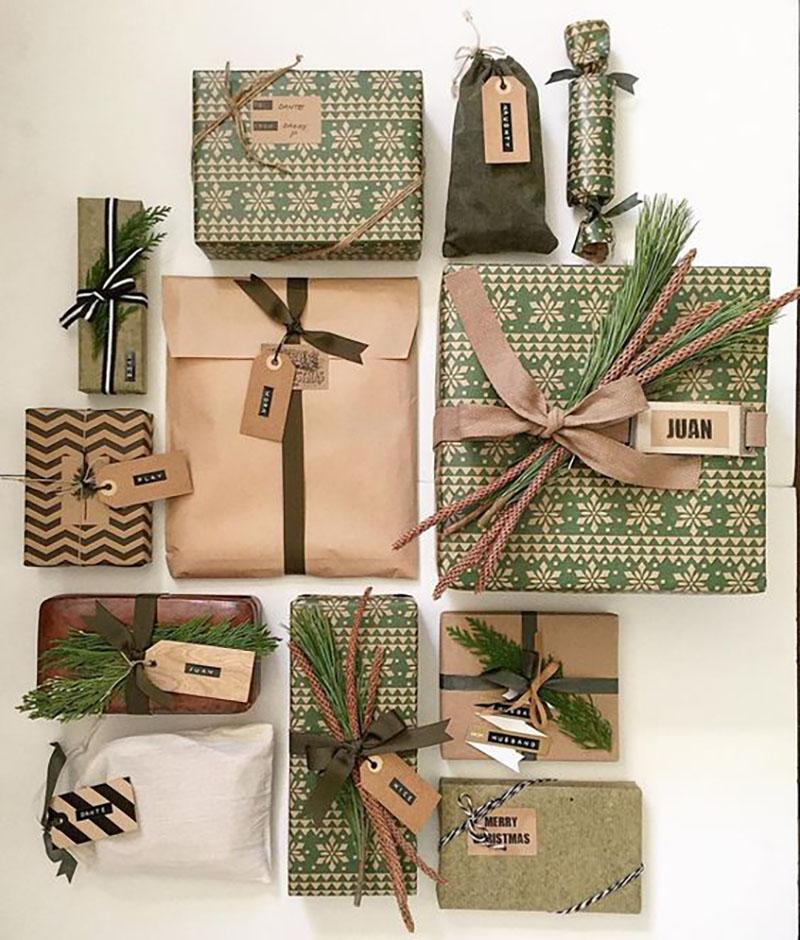 Zöld és sima barna csomagoló együtt. Annyira gyönyörűek, imádom ezeket, egyszerűek, de nagyon különlegesek.