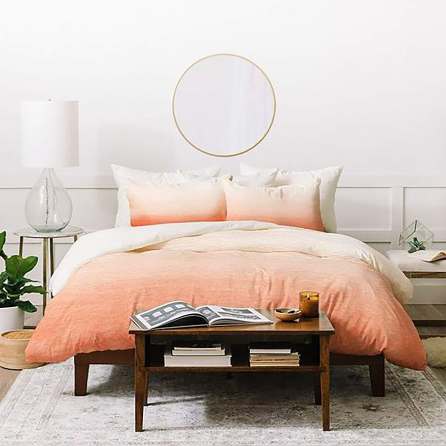 Even if the walls are not painted in peach color, we can spice up the bed-linen with peach and this creates a fresh look in the bedroom.