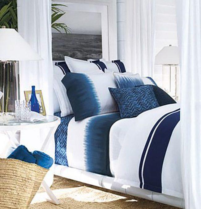 Tengerparti hangulatú otthon ötletek kék-fehérben