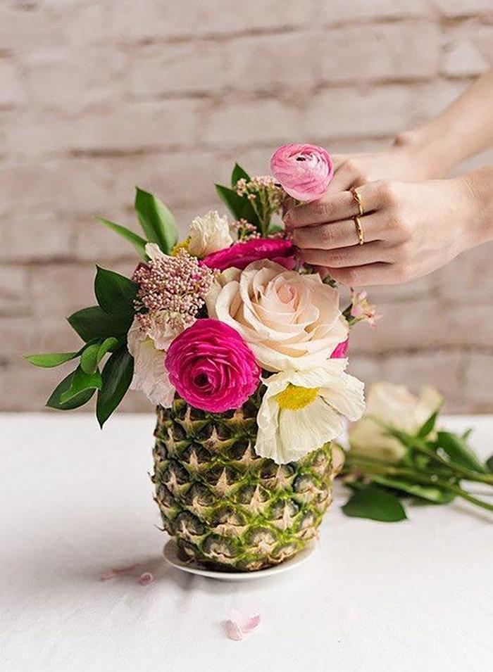 Ananász mint váza.