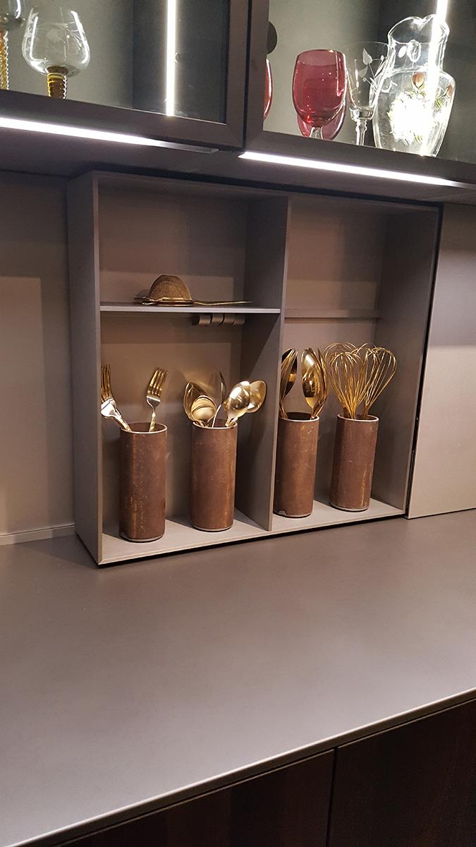 Evőeszköz tárolás a Doimo Cucine-tól.