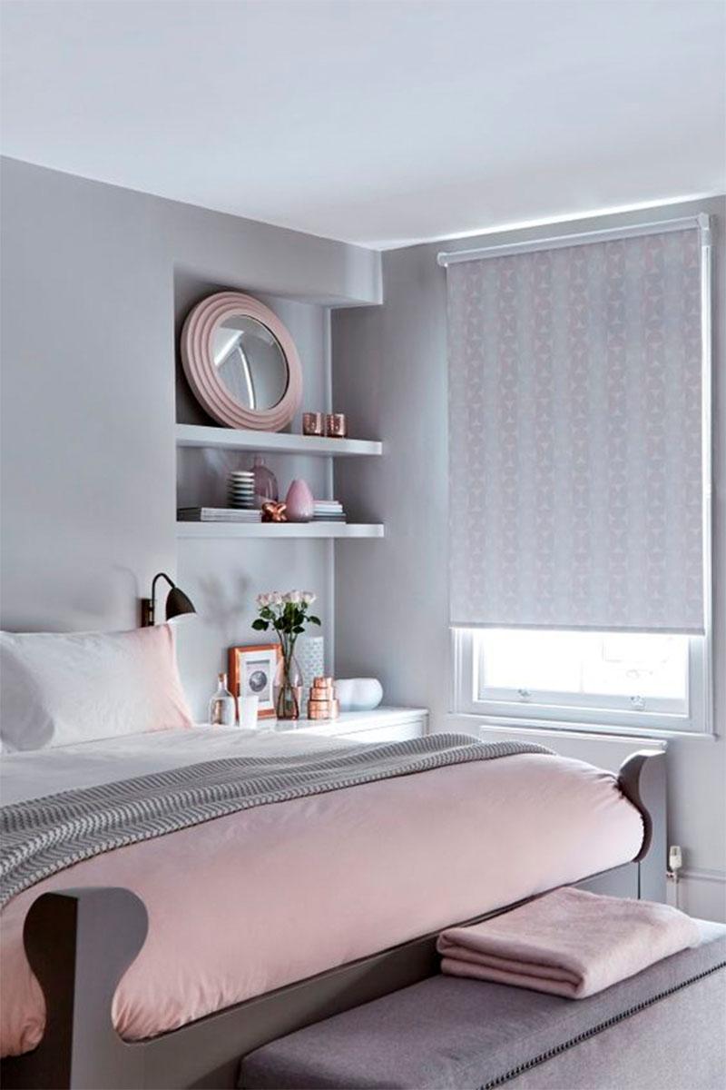 Nagyon szuper ez az ágy, a szürkék-rózsaszínek aránya nagyon jól el van találva.