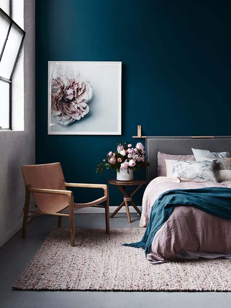 A kedvencem a kék fal a hálóban is megállja a helyét :-). Egy kis rózsaszínnel párosítva nagyon nőies.
