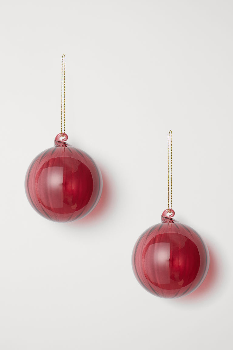 Christmas tree decoration from H&M Home.