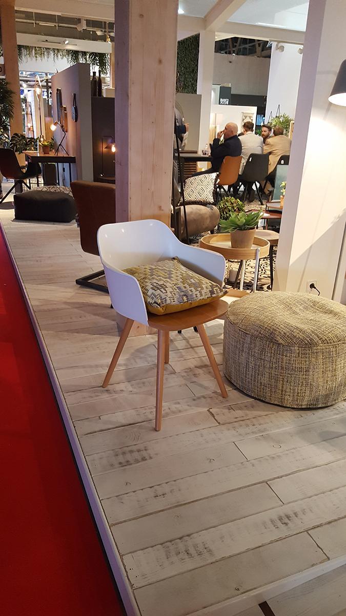 La Forma szék, http://www.laforma.com.au/shop-by/collection/barcelona-collection.html